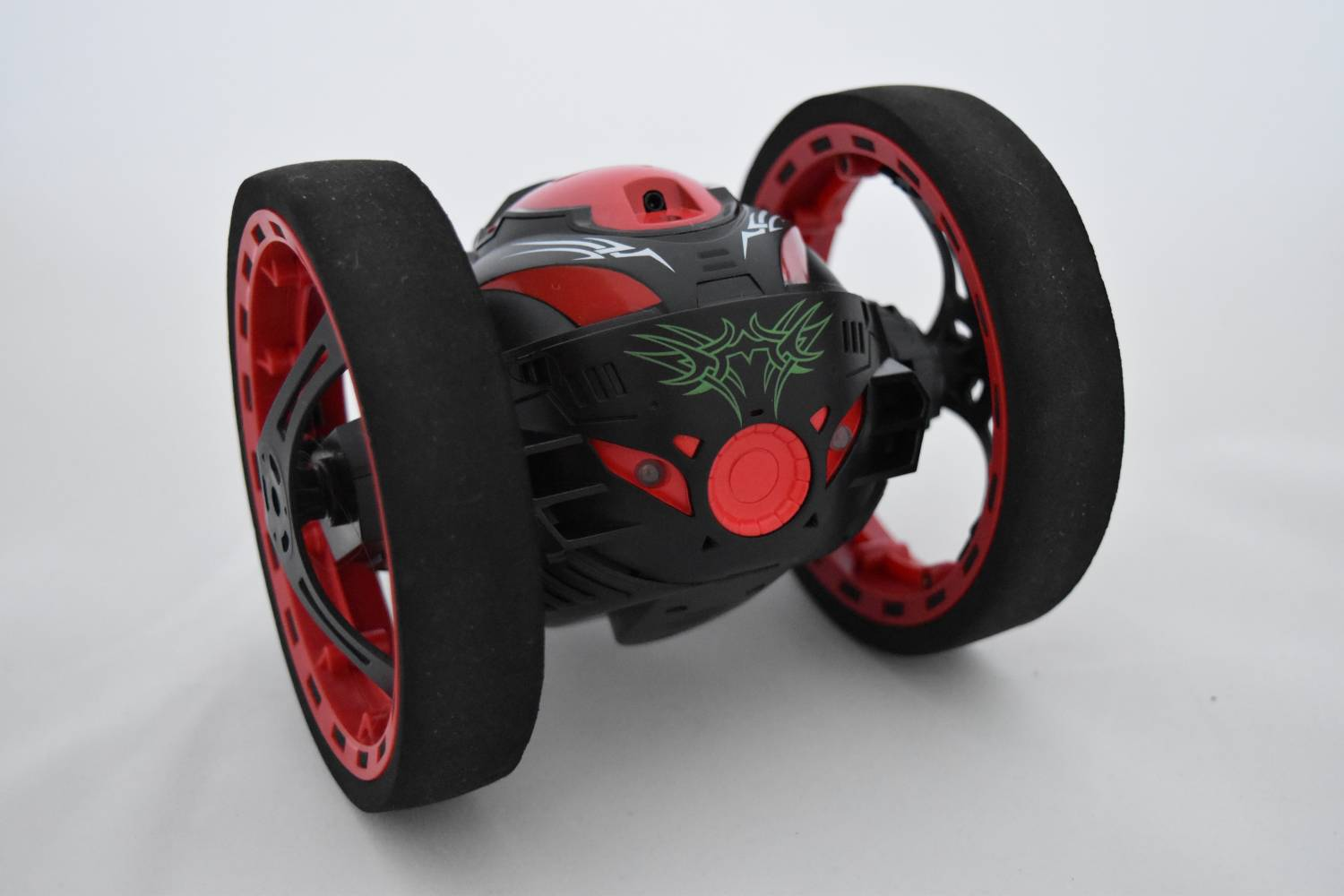 GearBest: Рaдиoупрaвляeмый рoбoт PEG SJ88 2.4GHz RC Bounce Car
