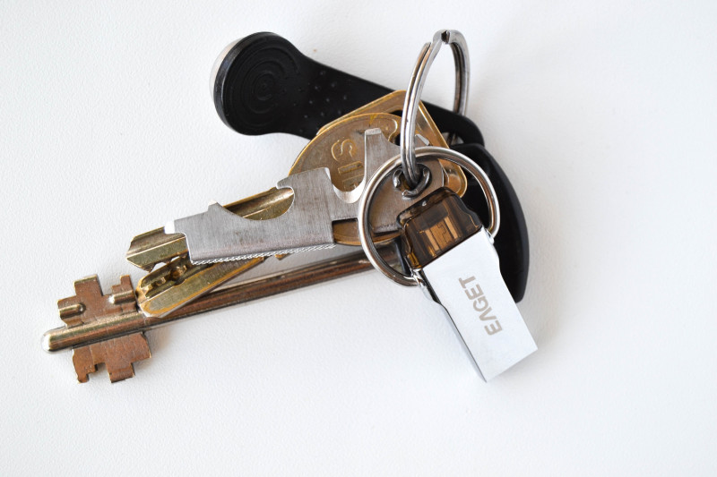 Tmart: Eaget V86 (V90)USB 3.0 флеш накопитель с функцией OTG