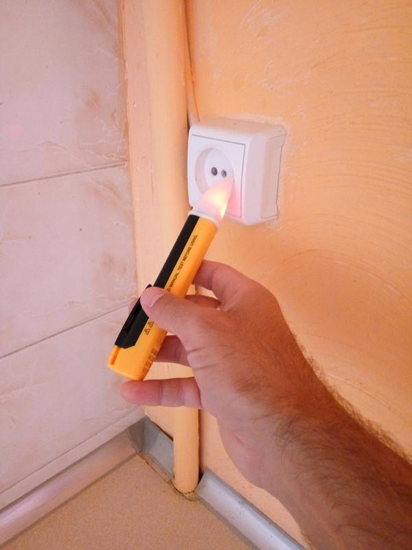 ChinaBuye: Бесконтактный тестер электрического напряжения