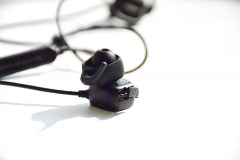 Aliexpress: Беспроводная Bluetooth гарнитура QCY QY12 (+видео)