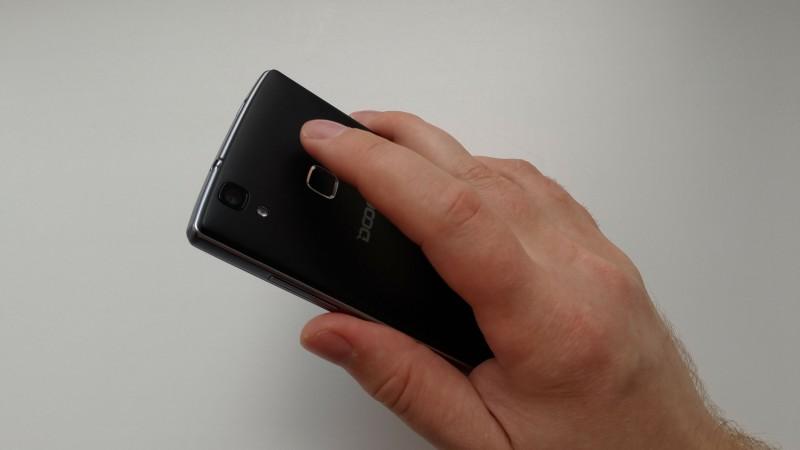 GearBest: Doogee X5 MAX - бюджетник со сканером отпечатка пальцев и хорошей батареей