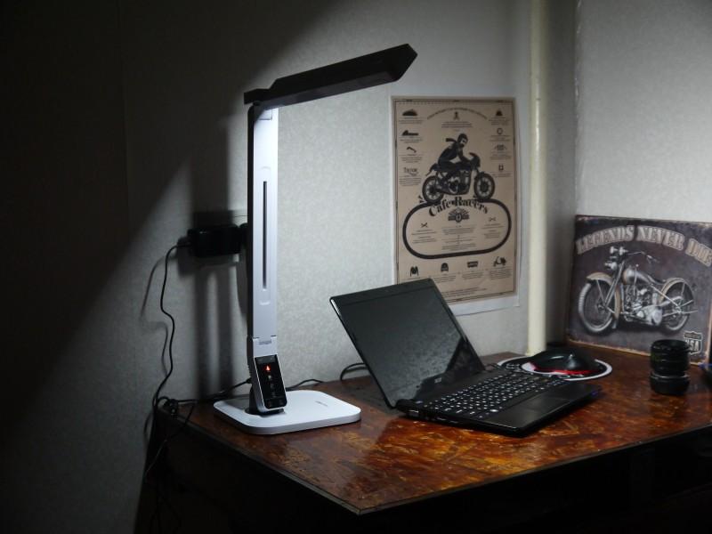 Banggood: Светодиодная настольная лампа Blitzwolf BW-LT1