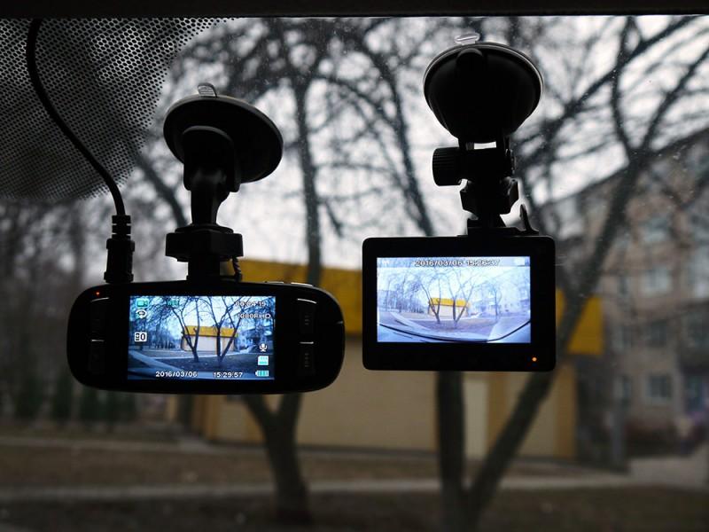 Banggood: Видеорегистратор  Xiaomi Yi  1296P
