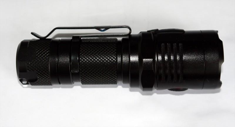 Banggood: Фонарик NITENUMEN NE01 (CREE XM-L2)