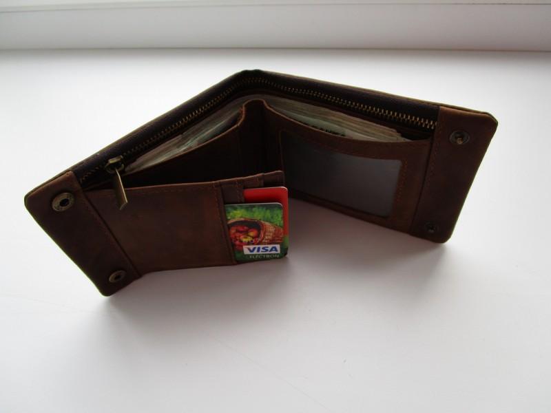 Amazon: Добротный и стильный кошелек