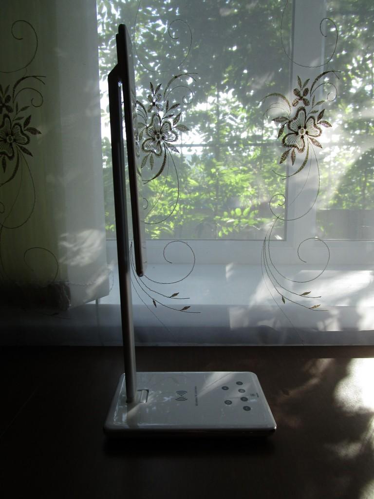 TVC-Mall: Отличная настольная лампа