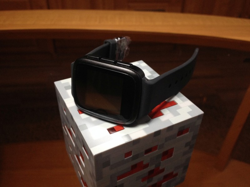 GearBest: Умные часы SMA-Q с цветными электронными чернилами и заявленной автономностью 30 дней