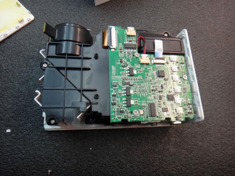 GearBest: LCD проектор YG-300 компактный, яркий и недорогой для дома и бизнеса