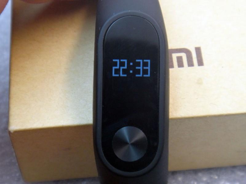 GearBest: Обзор Xiaomi Mi Band 2 - новая версия популярного фитнес браслета - теперь с дисплеем