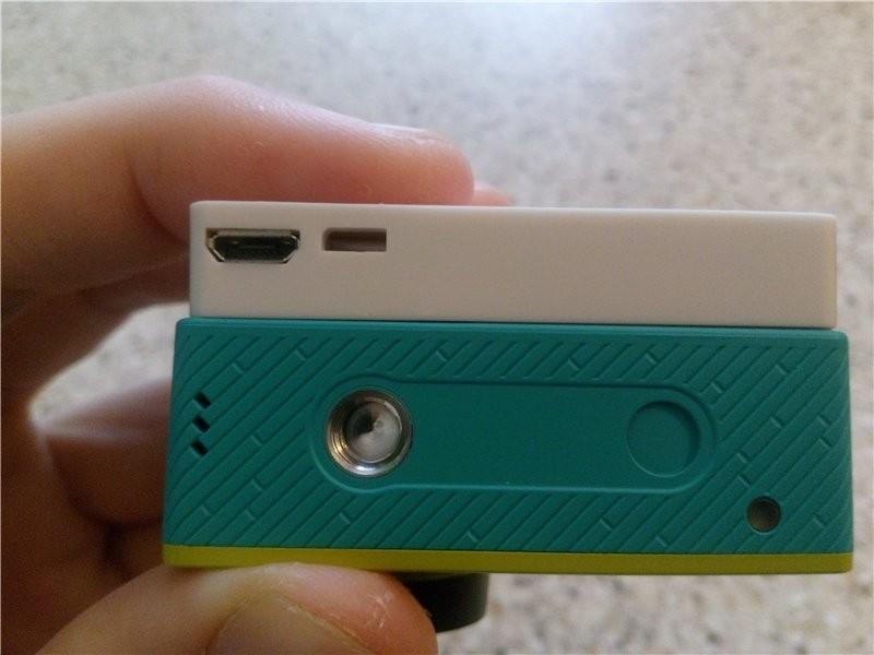 Магазины Китая: Xiaomi Yi - Решаем типичные проблемы + обзор набора: внешний экран, доп. аккумулятор (2400mAh) и аквабокс