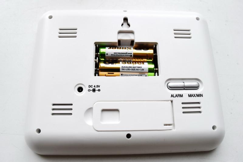 GearBest: Вполне хорошая метеостанция с часами и будильником.