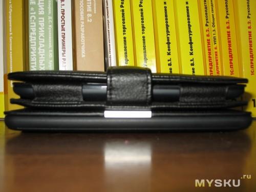 NST в обложке и Kindle PW в обложке Onyx