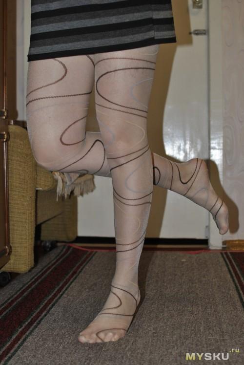 Обалденные ноги в колготках.