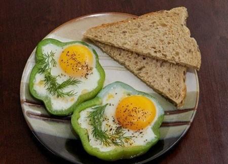 Яичница в перце рецепт с фото