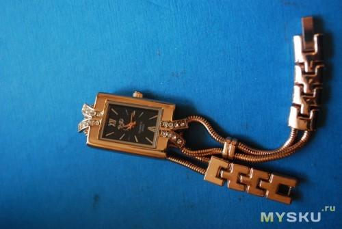 Golden Lady's Wrist Watch