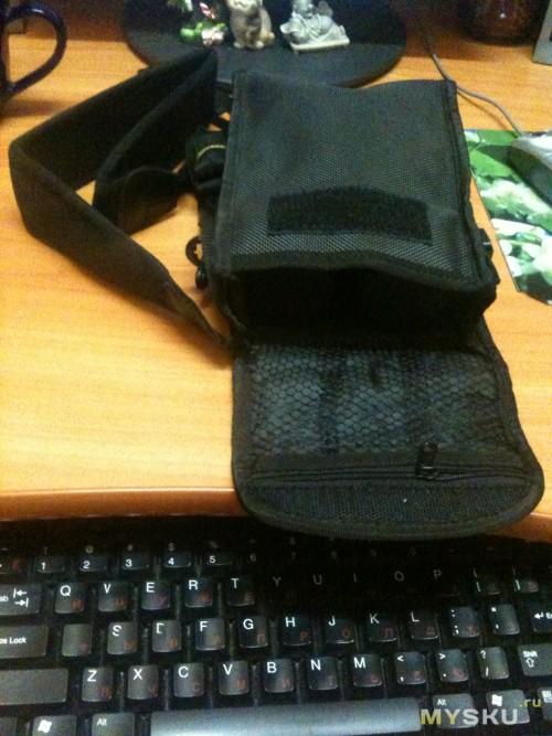 комплектация защитный чехол 2а ремешка и тряпка для протирки линх (тряпку не стал фоткать,- обычная стандартная тряпочка)