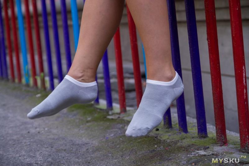 потные носки у девушки - 9
