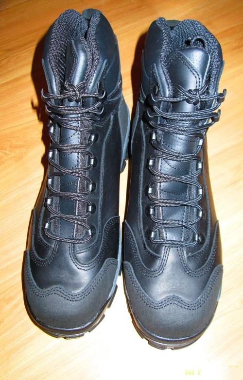 Пара ботинок Cabelas