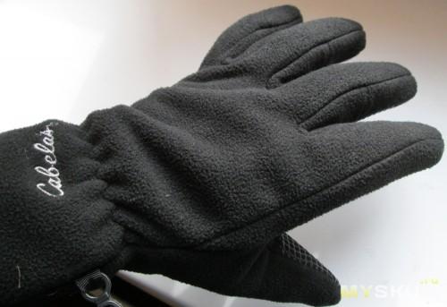 Перчатки Cabelas Titan Windshear на руке - ладонь
