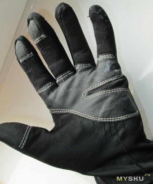 Windstopper gloves - А ладонь сильно изношена, сказываются повреждения при падениях и трение о ручки лыжных палок
