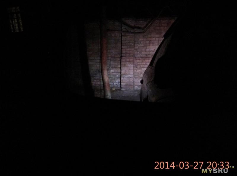 Фонари заднего хода, фото с водительского места в зеркало заднего вида, лампы с цоколем 1156