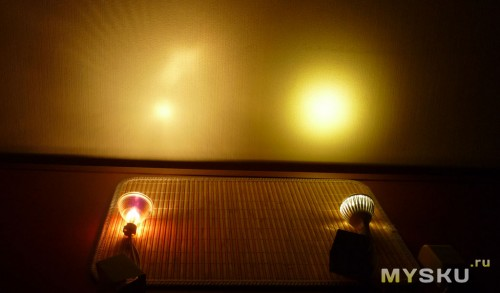 Галогенная и светодиодная лампа