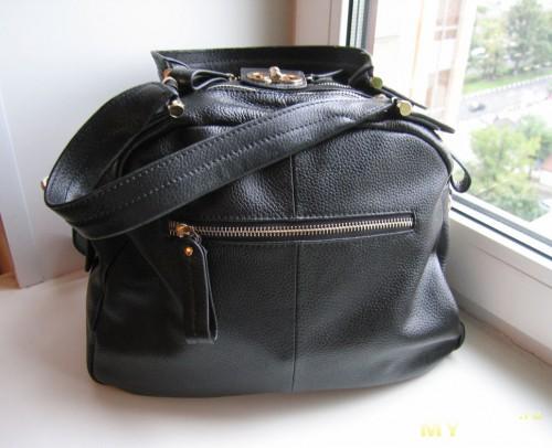 Внешний кармашек - сзади сумки