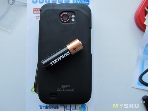 Телефон с бампером 2