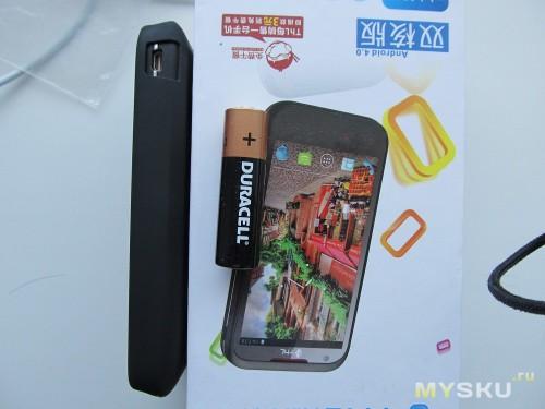 Телефон с бампером 1