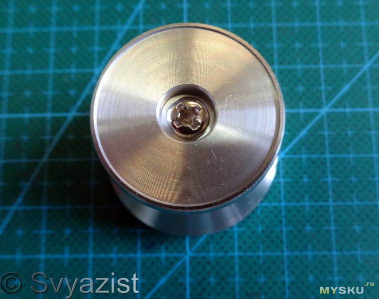 Автомобильный магнитный держатель для телефона RAXFLY
