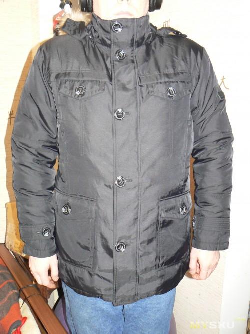 куртка на счастливом владельце, фото со вспышкой