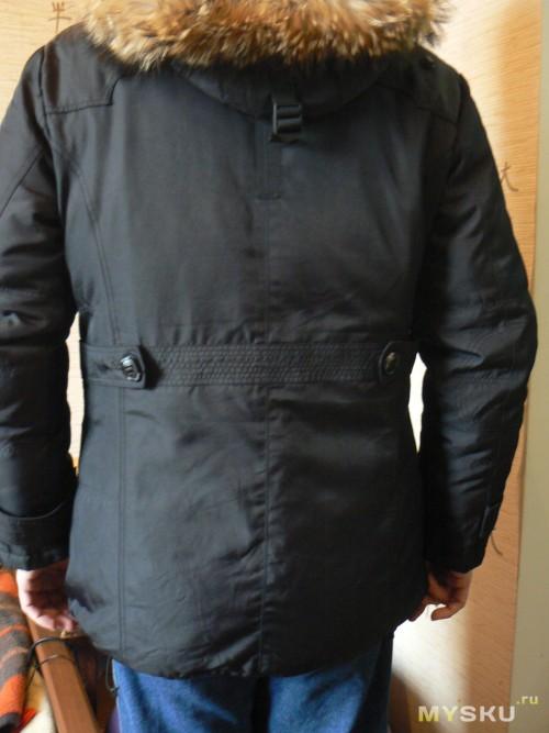 куртка на счастливом владельце, фото без вспышки