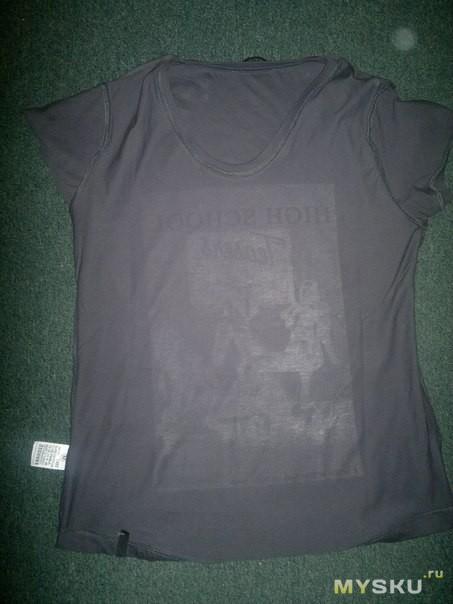 Фото принта футболки с изнанки