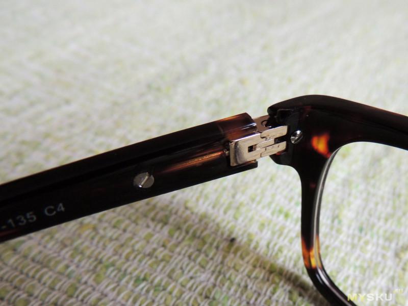 6950a34f57d4 Однако у оправ, продающихся в оптиках за 2000-3000 рублей качество точно  такое же. В остальном очки сделаны очень качественно. На дужке выбиты  наименование ...