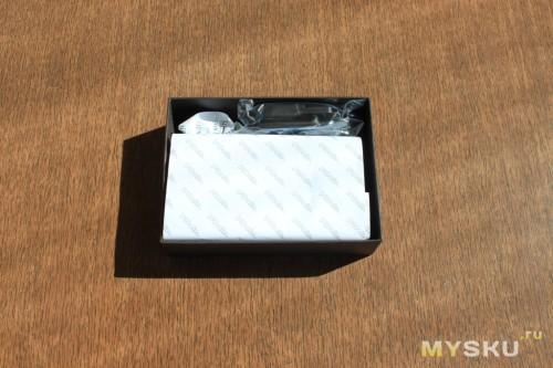 кожаный чехол в открытой упаковке