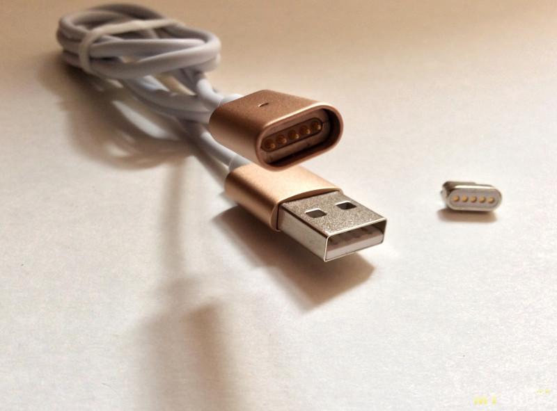 Для соединения двух частей кабеля использовано два магнита