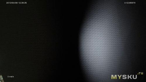 ИК-подсветка включена, ИК-фильтр открыт наполовину