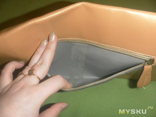 Боковой карман - внутри косяк, даже не знаю как его назвать