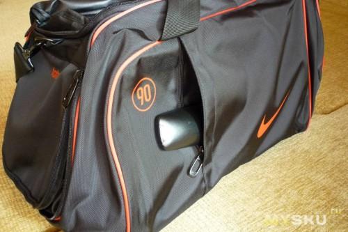 f8779a04f390 Большая спортивная сумка Nike серия T 90