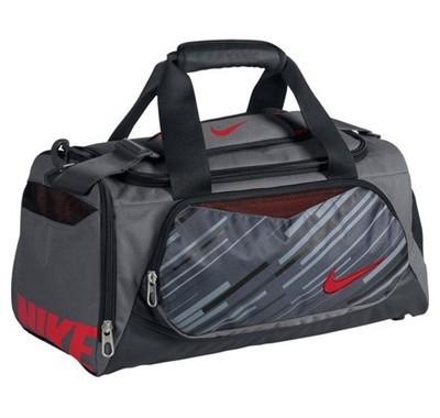 e3ad34668ca3 На распродажах в каком-нибудь Спортмастере можно подобные сумки почти  задарма урвать (~1000руб.) Вот зимой купил небольшую сумку (35 литров) Nike  Team ...