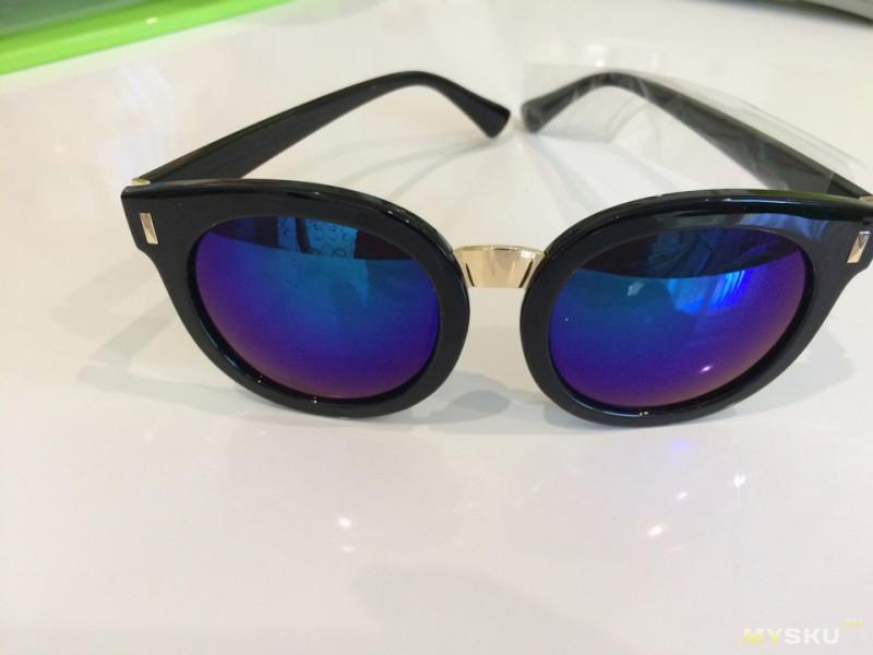 96f5ca93315a Следующие очки я заказала в черной оправе и с синим стеклом (пластиком).  Так сказать немного «ретро» как указано на сайте. При заказе я также  посмотрела ...