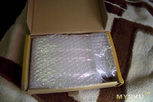 внутри коробки