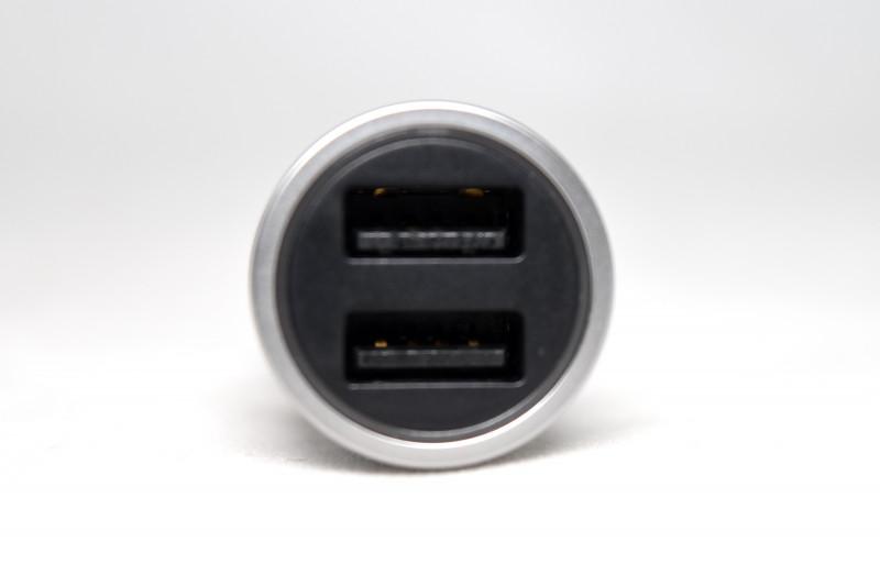 AliExpress: Chuwi Автомобильная USB зарядка для смартфонов и планшетов.