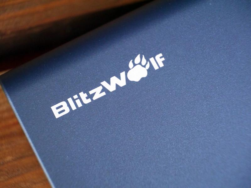 AliExpress: Внешний аккумулятор Blitzwolf BW-P3 10000 mAh 18 Вт QC3.0