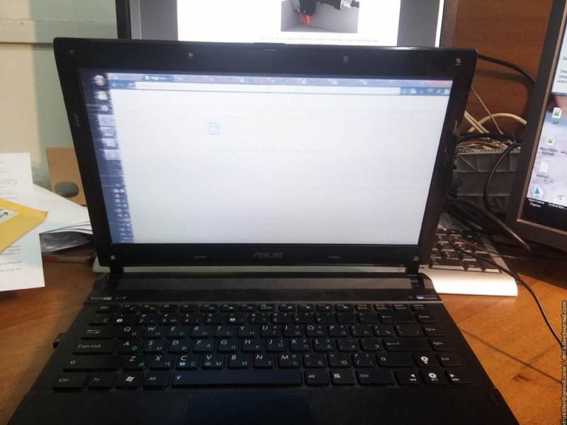 замена шлейфа ноутбука не помогла