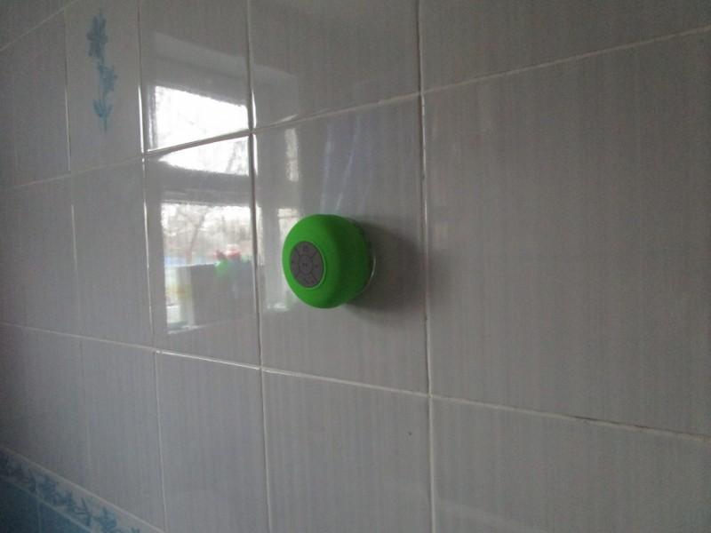 Спикер на присоске в ванную
