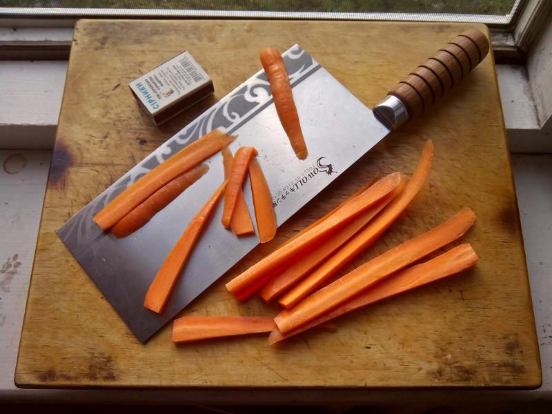На чем режут овощи для салата 174