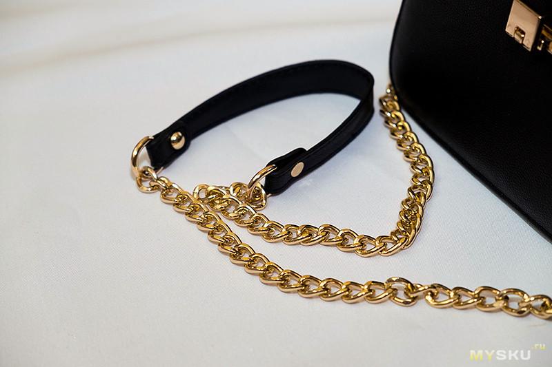cda32ed0a187 Сумку можно носить как клатч, так и на/через плечо с длиной цепочкой.  Ремешок не регулируется. Цепочка золотого цвета. Пока фурнитура оттенок не  изменила и ...